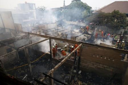 Five dead as blaze engulfs shophouse in Makassar