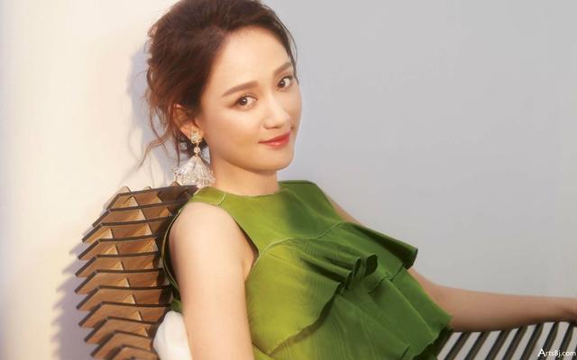新剧与王一博组CP的她,参加恋爱综艺,为何被指工作现实难分清?