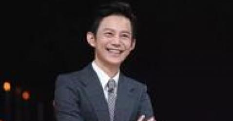 43岁的何炅,43岁的钟汉良,43岁的林志颖,都远不如他
