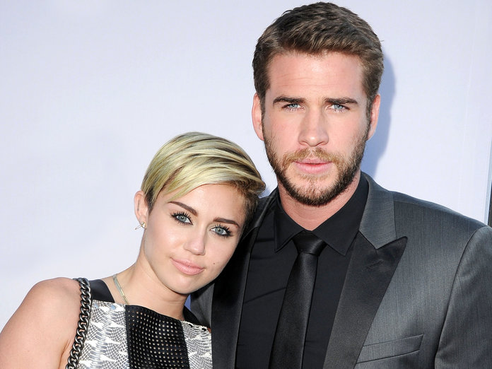 Like Everyone, Miley Cyrus and Liam Hemsworth's Families Are Hoping They Get Back Together