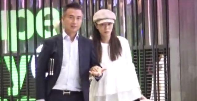 TVB演员滕丽名婚后当24孝老婆,专心照顾丈夫却不愿生育