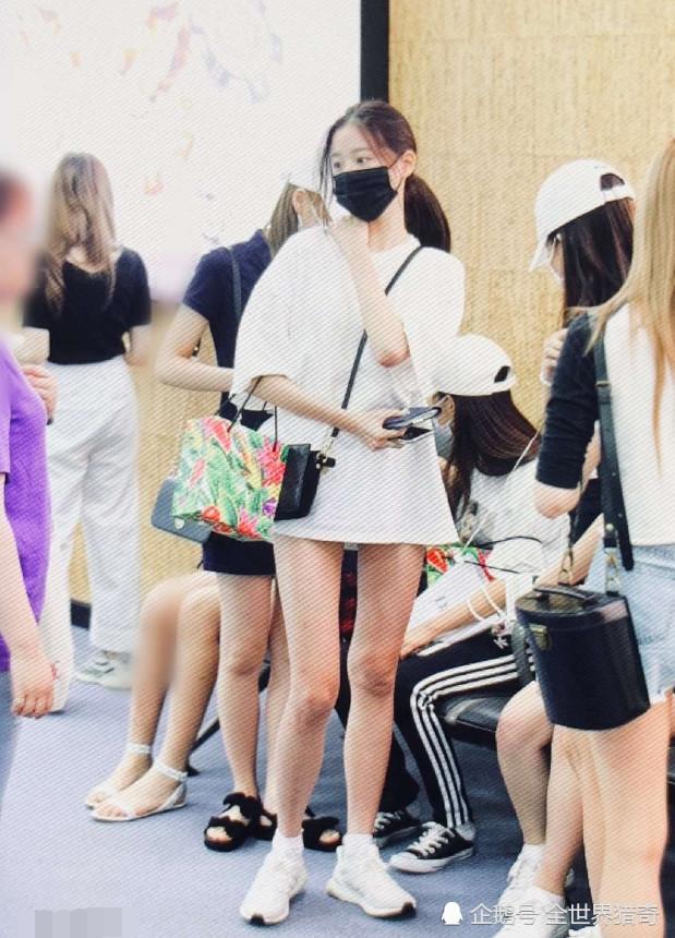 """有种""""火箭少女""""叫张元英,15岁身高1米7,网友:我要窒息了"""