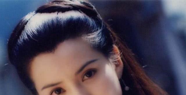 恋爱10年等不来婚姻,事业被爱情耽误,李若彤终于要复出了