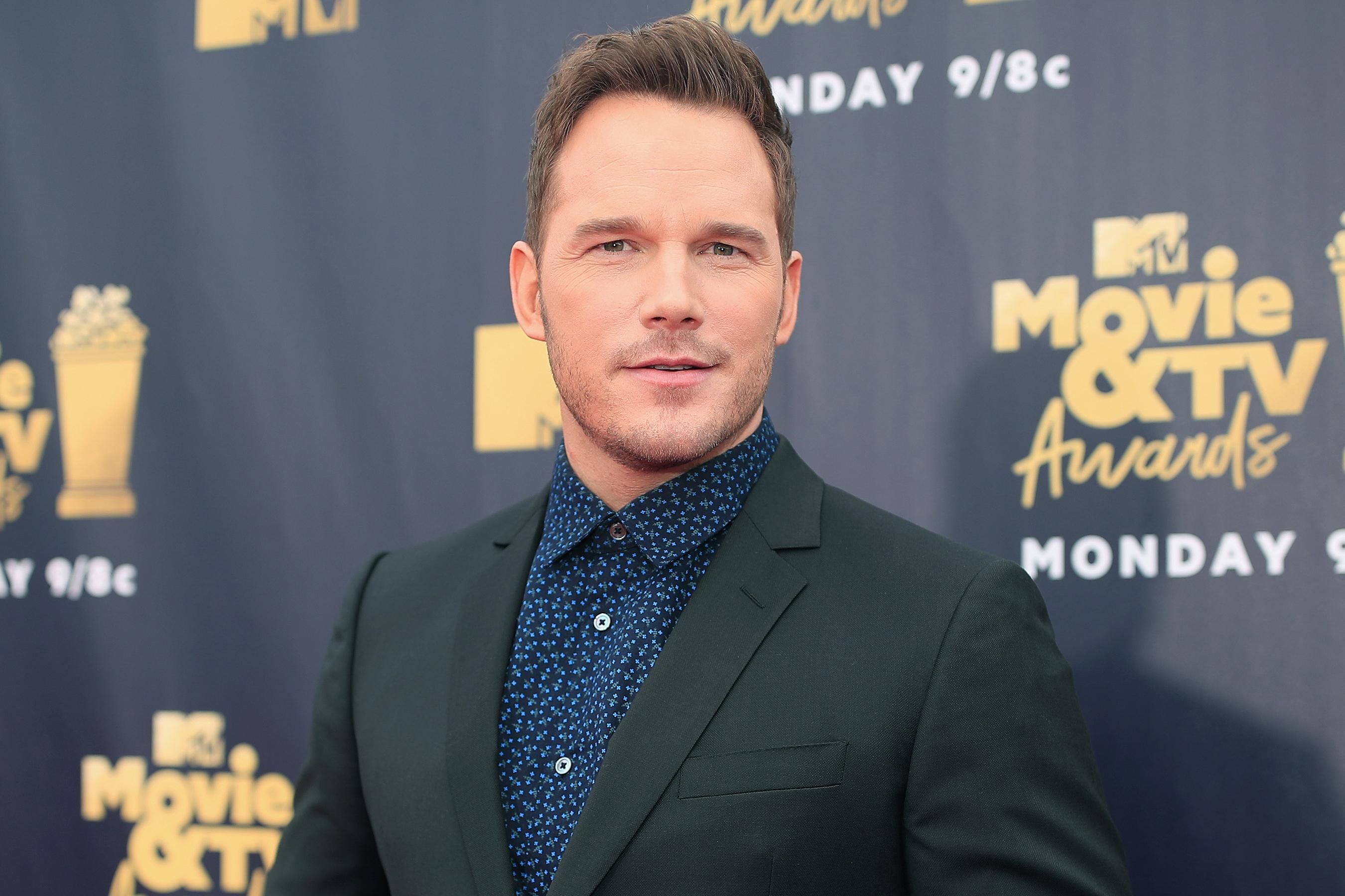 Chris Pratt Urges Fans to Help Him Reach 28 Million Instagram Followers