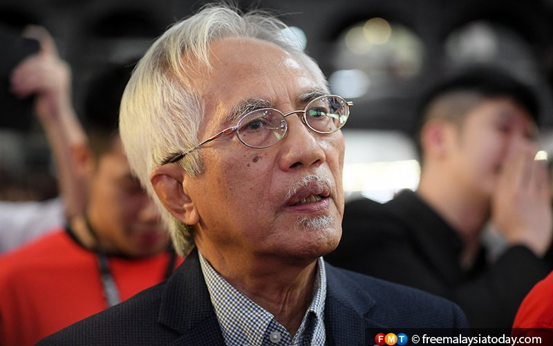 Kadir Jasin hits out at transport minister for bringing down MAHB share prices