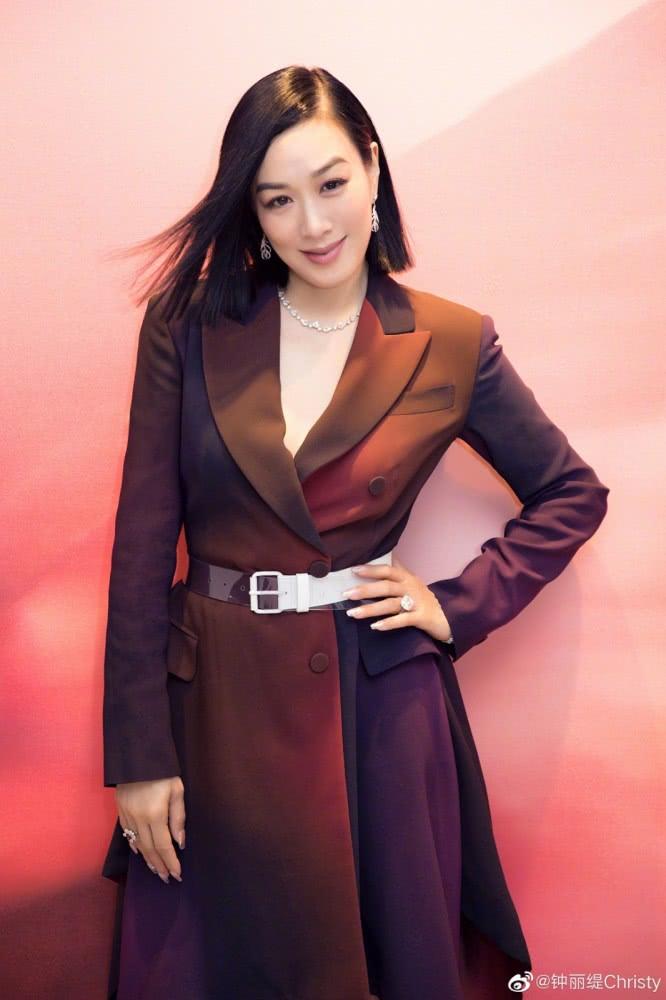 三段婚姻的钟丽缇 标致两女同任《中国国际儿童时装周》模特