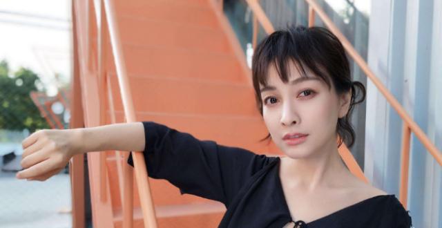 吴昕在《快本》中途离场却无人关注,存在感超低,粉丝:离开吧