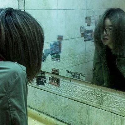 现实恐怖演技!头发褪色10次只为拍出这部好电影!
