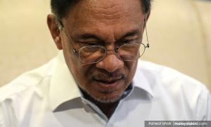 Anwar: Factions not the reason why leaders absent from convention