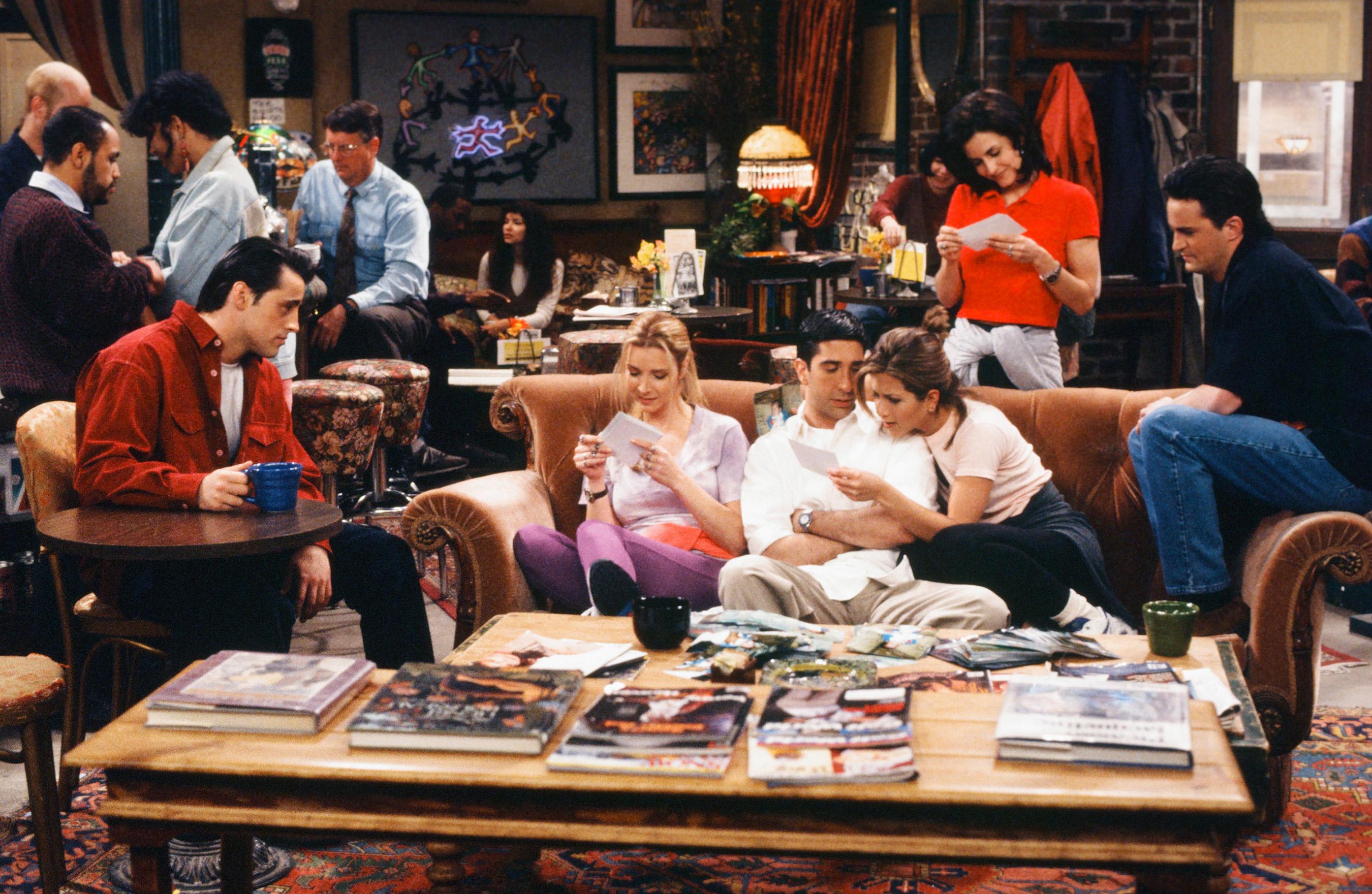 New Poll Says 60% of Friends Fans Surveyed Believe Ross and Rachel Were on a Break