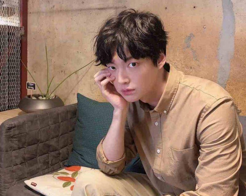 Calls for S.Korean actor Ahn Jae-hyun to quit TV shows as divorce drama escalates