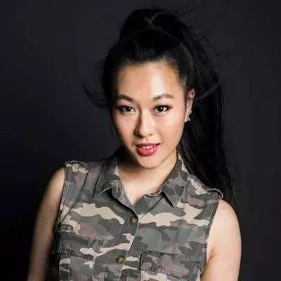 """""""我再也不想当华裔了"""",她的故事获12万转发38万赞"""