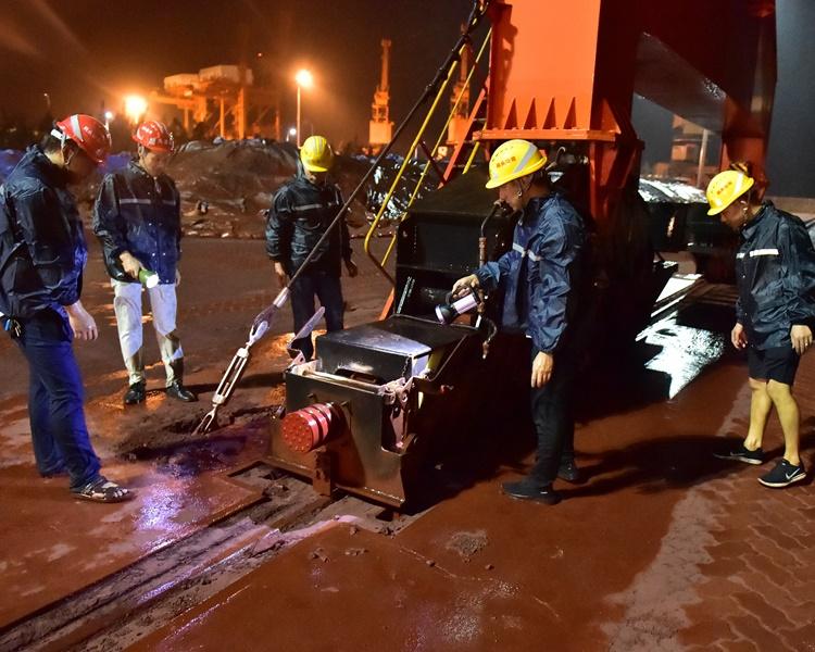 「白鹿」福建再次登陆 吹袭台湾至少1死6伤