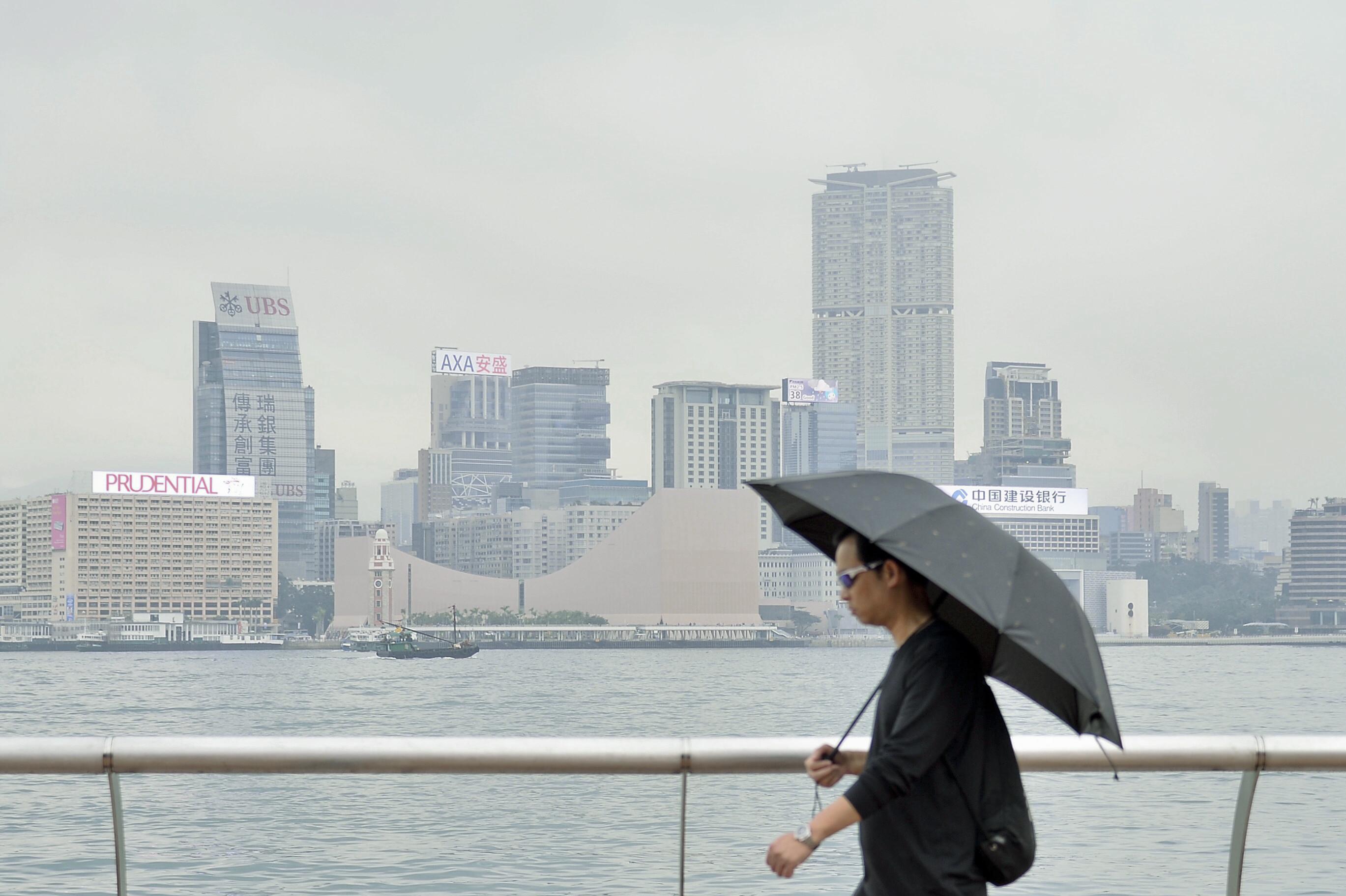 「杨柳」远离香港 天文台:短时间内取消风球