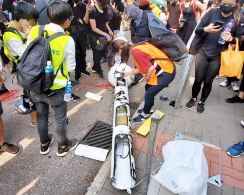 【观塘游行】中小企参与智慧灯柱项目遭攻击 创科局深表遗憾