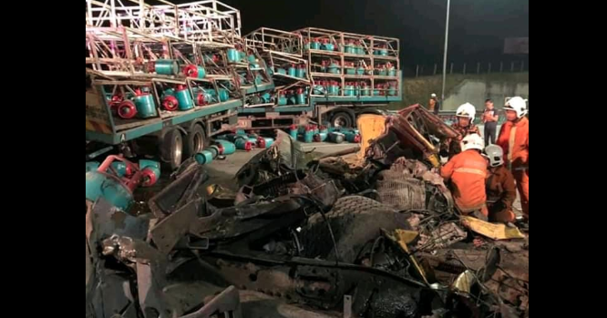Three dead in highway accident after lorry stopped to help stranded motorcycle
