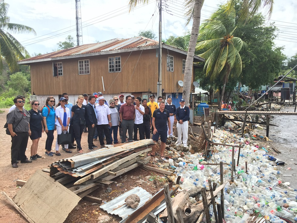 Crucial to educate children on 'fight' against plastic pollution