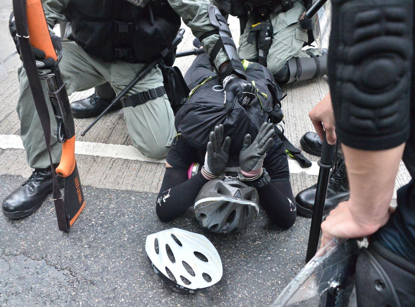 【逃犯条例】警:若被捕者激烈反抗 同事就要用大力啲