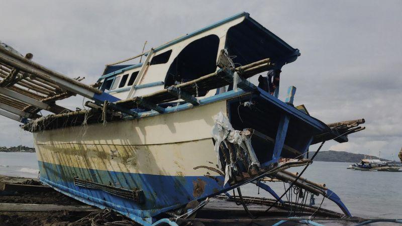 Chinese apology for philippine fishing boat sinking lands as rodrigo duterte heads to Beijing