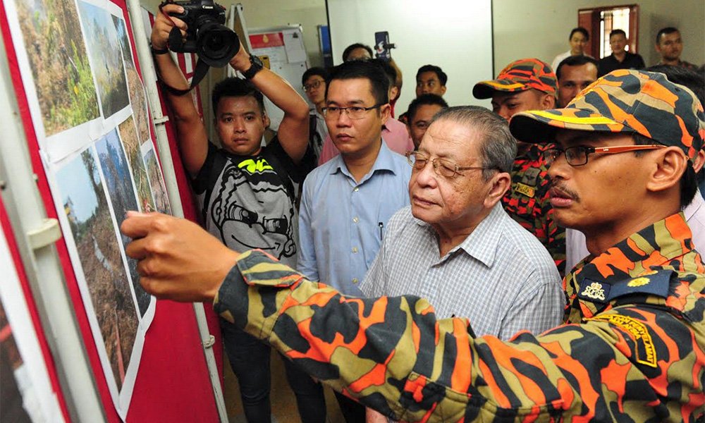Kit Siang proposes joint conference after 'environmental disasters' in Johor