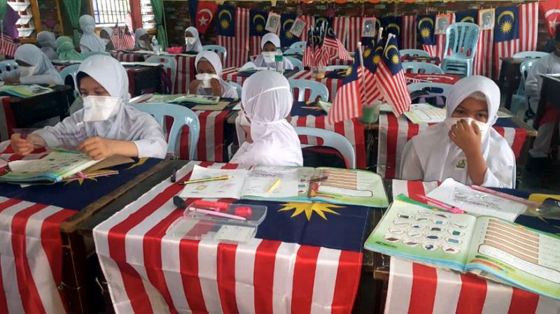 Johor rep: Efforts underway to identify stench which caused Pasir Gudang pupils to fall ill