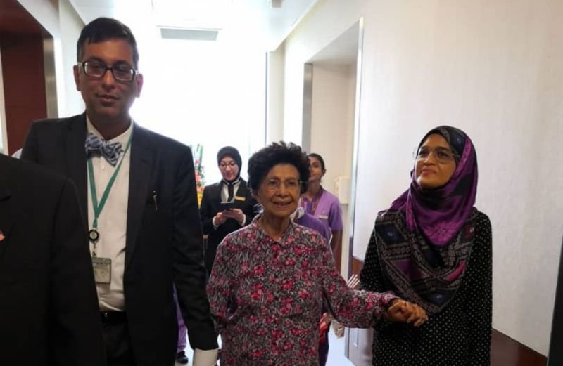 Dr Siti Hasmah discharged from hospital after recovering from food poisoning