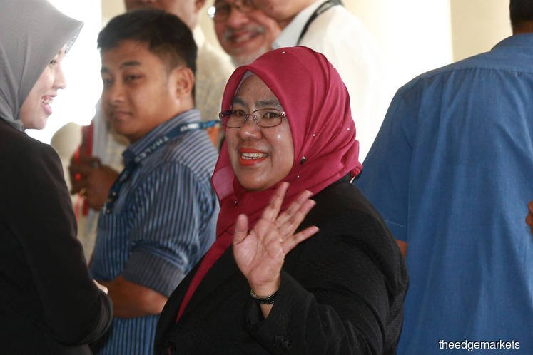 Najib's grip over 1MDB tightened six months after becoming PM