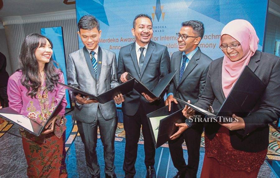 Five young Msians win Merdeka Award Grant