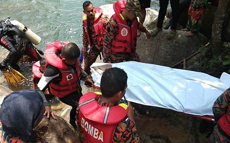Uprooted tree kills 2 campers at Bentong's Lata Hammer waterfall