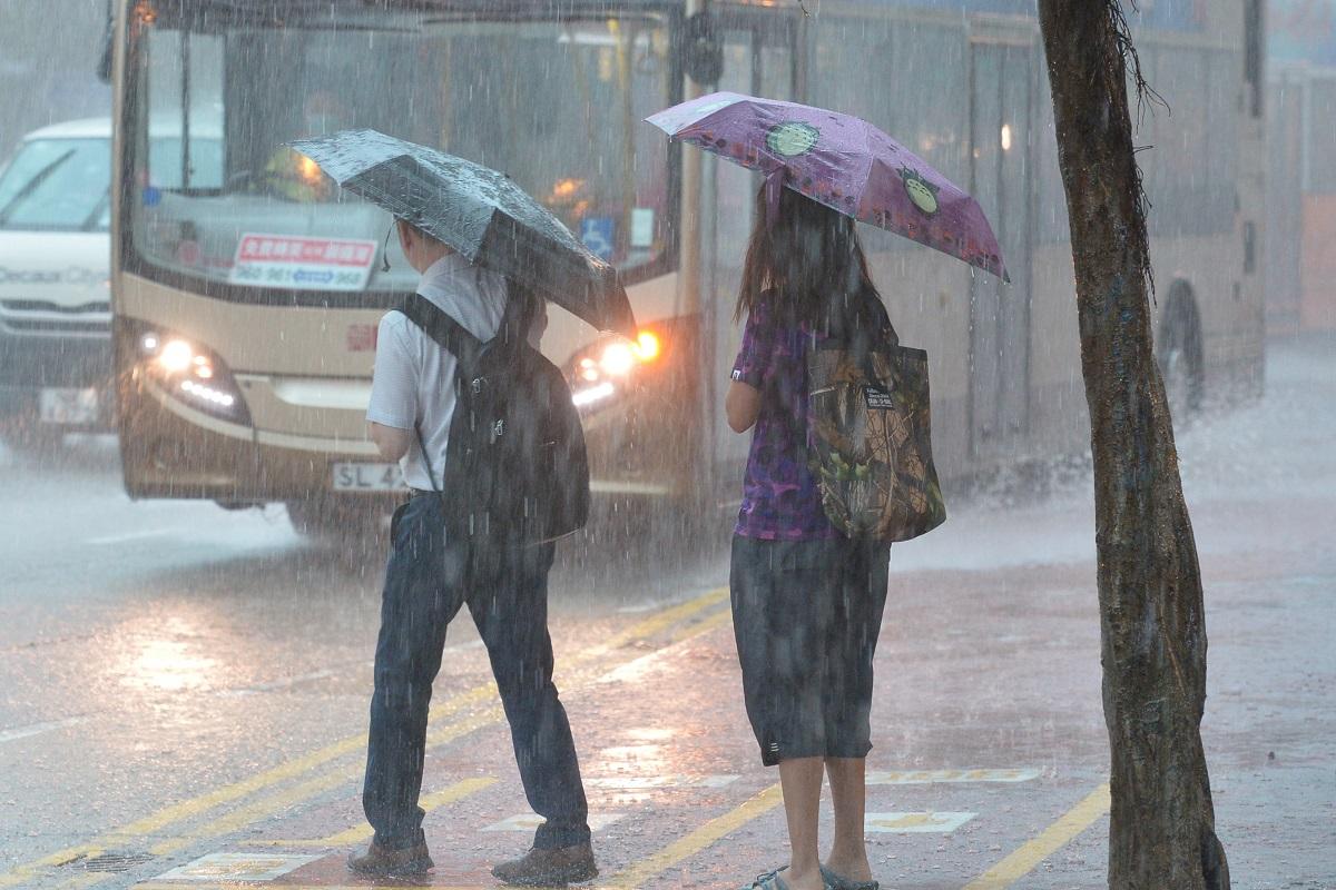 周四五狂风雷雨周日阳光再现 热带气旋「玲玲」形成移向台湾