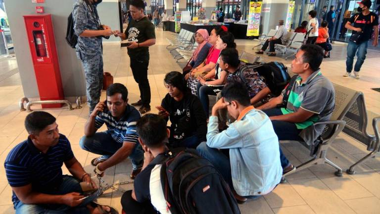 Immigration rope 18 foreigners at Penang Sentral