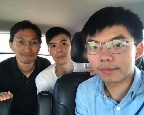 黄之锋抵台指香港面临白色恐怖非常严重