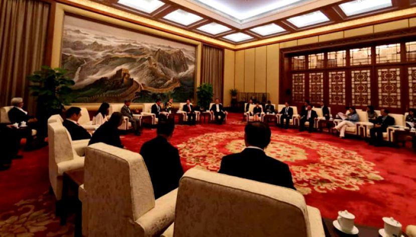 受中国政府邀请 倪可敏率团访华