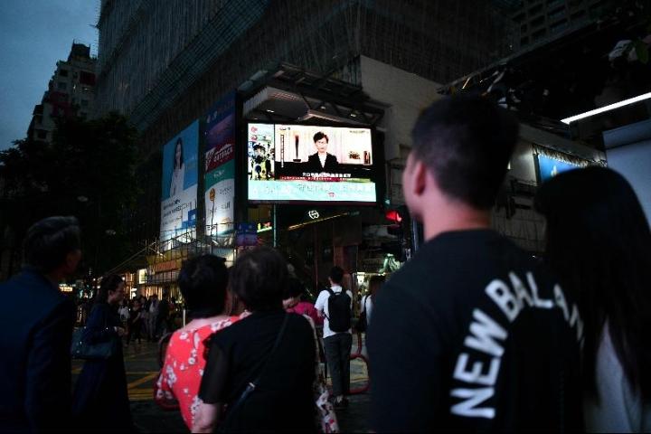 港股喷涨千点·香港10大富豪收回394亿