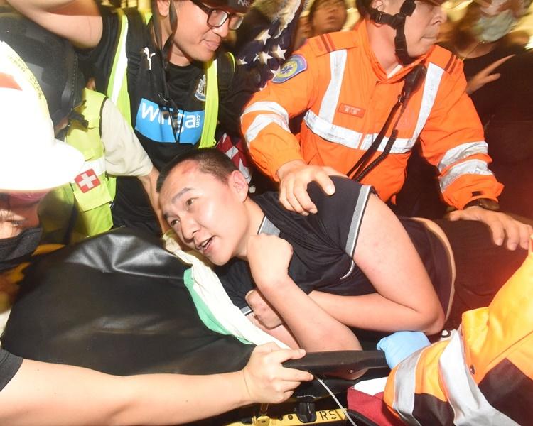 《环时》记者机场遇袭案 28岁测量师准保释守禁足令