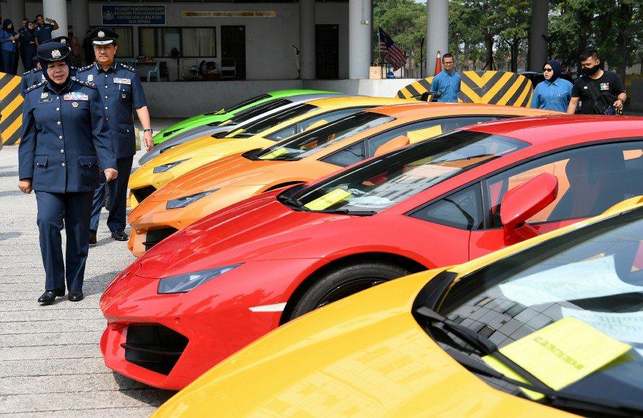 Six Lamborghini Huracans amongs vehicles seized in Customs raid