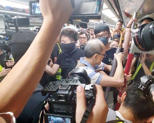 【修例风波】涉宝琳站袭休班车长 两被捕男子下午提堂