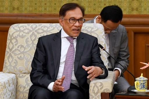 Rebels seek peace talks with Anwar in a never-ending feud