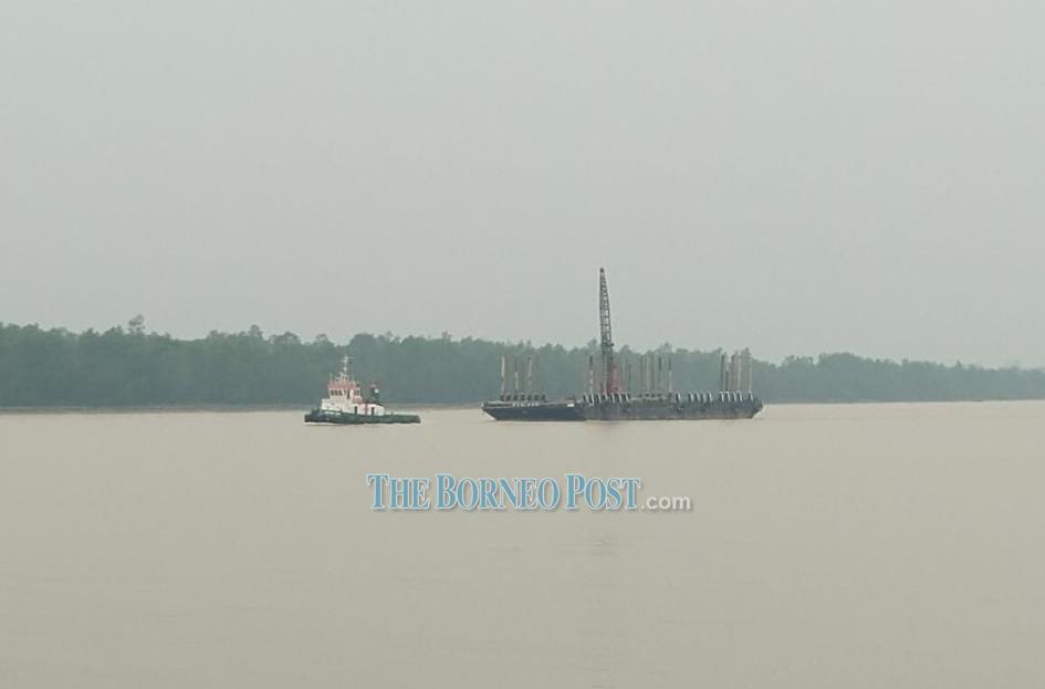 Visibility worsens as haze descends on Sibu, Rajang River