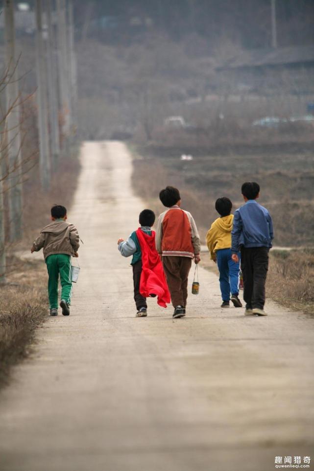 五个韩国少年抓青蛙失踪11年,尸骨被挖出后:家长们全抓狂了
