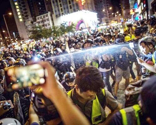 【修例风波】向记者喷椒 记协及摄记协谴责警方恶意阻採访