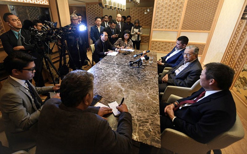 Mahathir wants new Samurai bond, but will leave it to experts