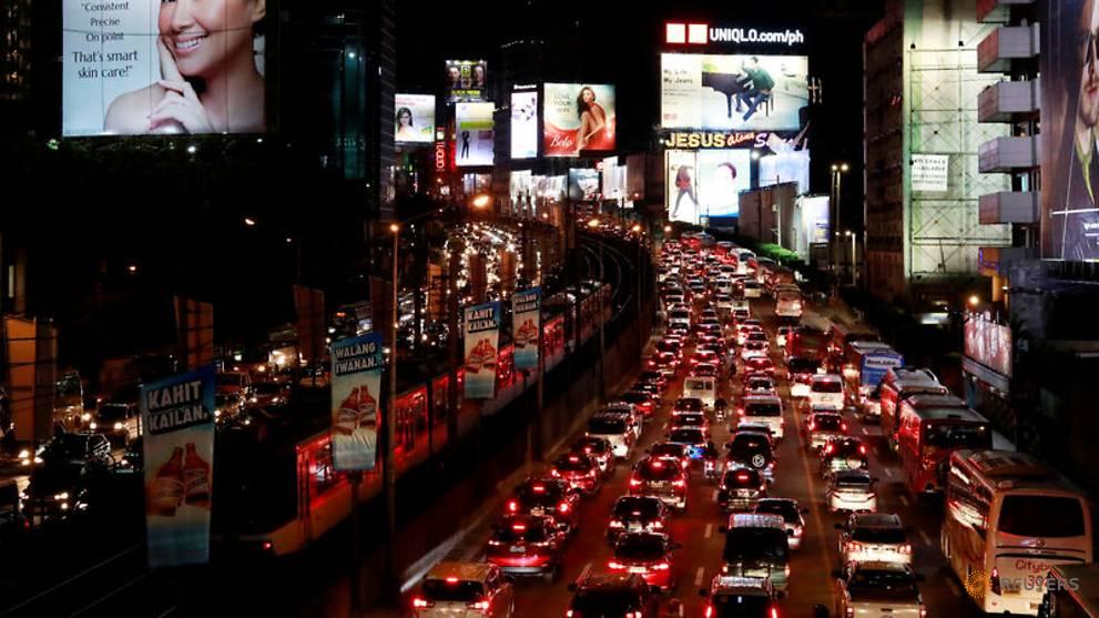 Patients die as Manila traffic jams block ambulances