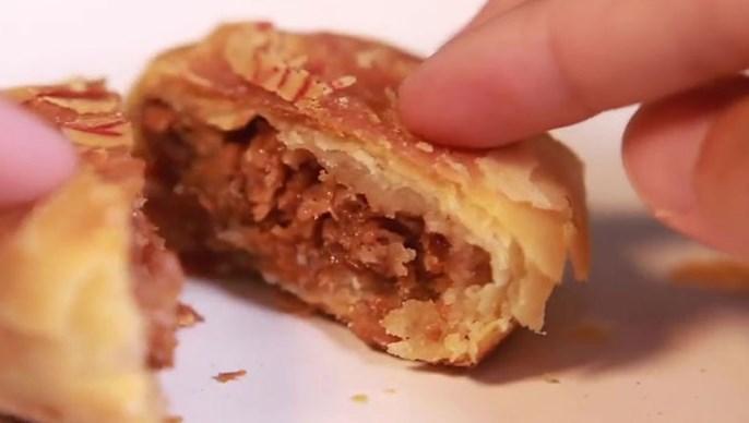 """首款""""人造肉""""月饼推出 网民:真假难分"""