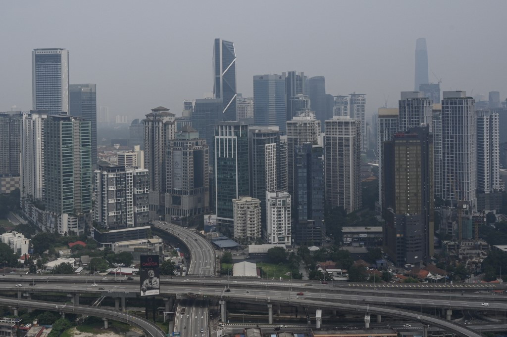 Malaysia offering help with haze, not blaming Indonesia: Envoy