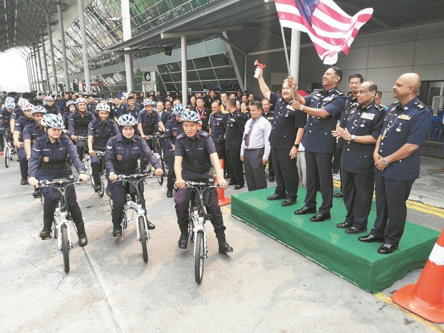 槟国际机场增设电动脚车巡逻队