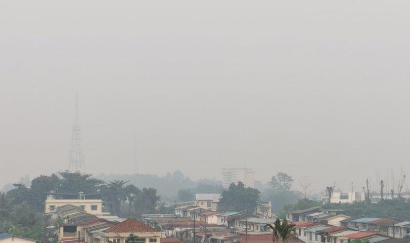 砂拉越烟霾恶化 古晋再陷非常不健康水平
