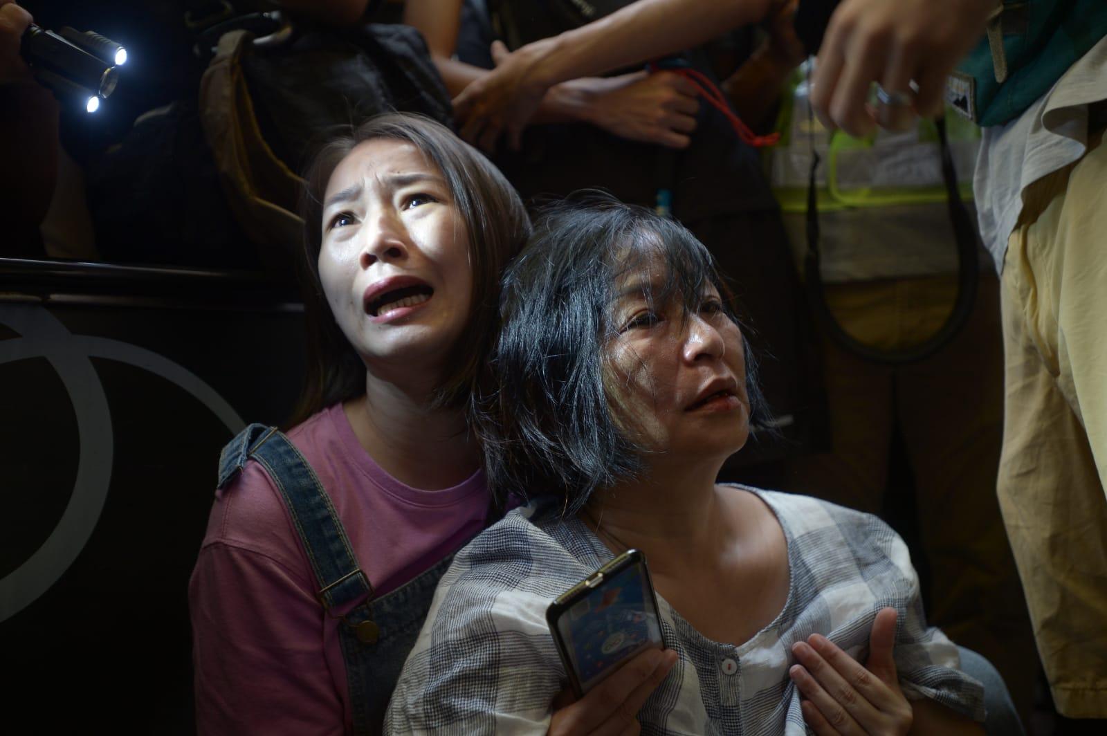 【修例风波】淘大商场两批群众殴斗 医管局指25人受伤