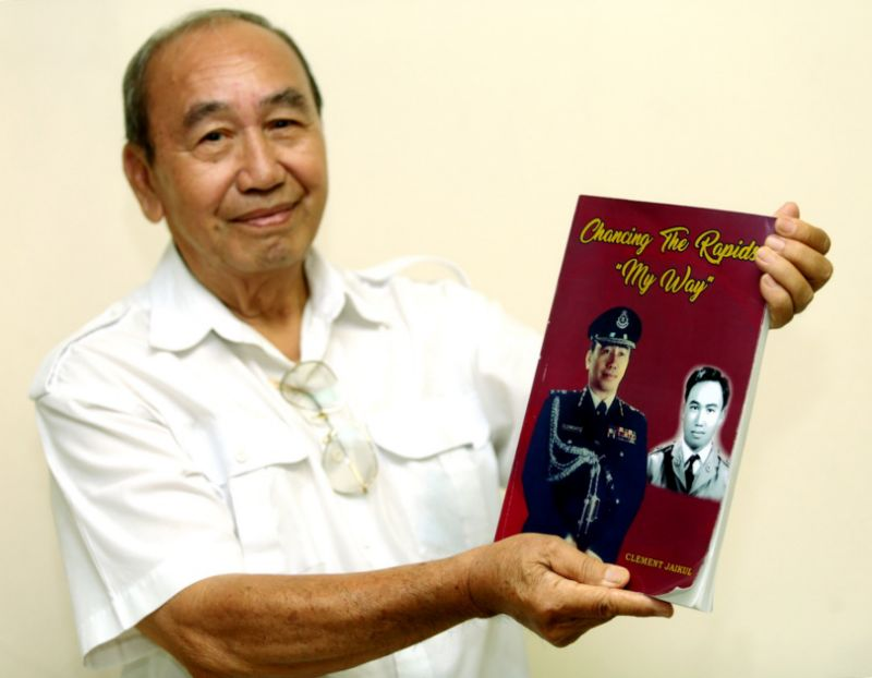 Former Sabah decorated cop tells stories of insurgents, pirates and old Sabah in new book