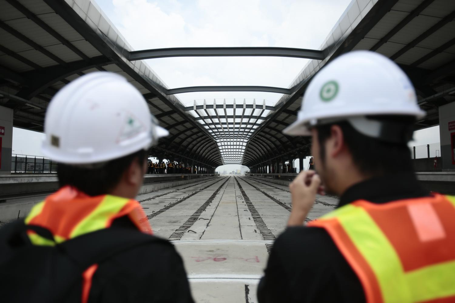 Worker shortage casts doubt on rail projects